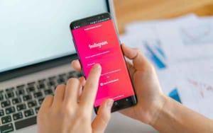 Hướng dẫn chi tiết cách chia sẻ lên Story Instagram bài viết của người khác